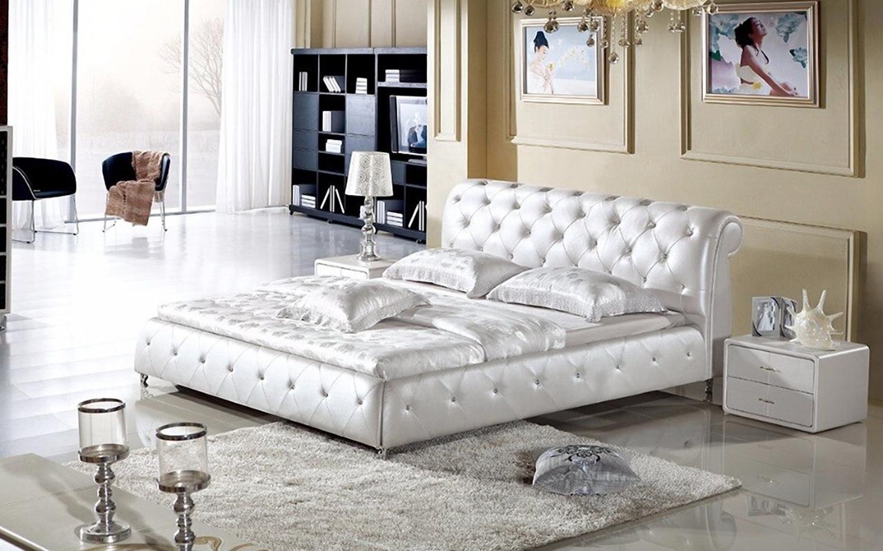 такие кровать белая со стразами фото это